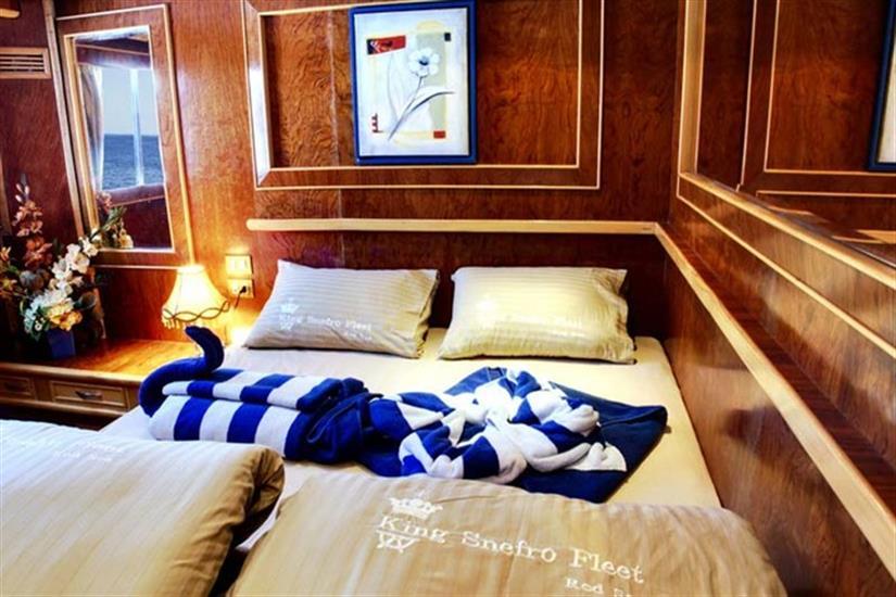 Double bed Cabin Upper deck - Snefro Love