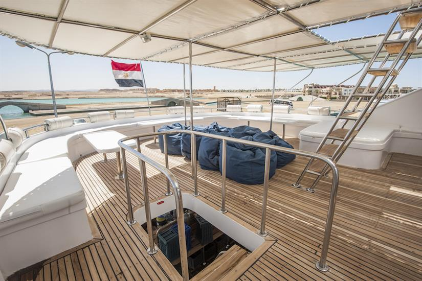 Outdoor relaxation area - Red Sea Adventurer