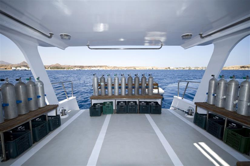 Spacious dive deck - King Snefro 5