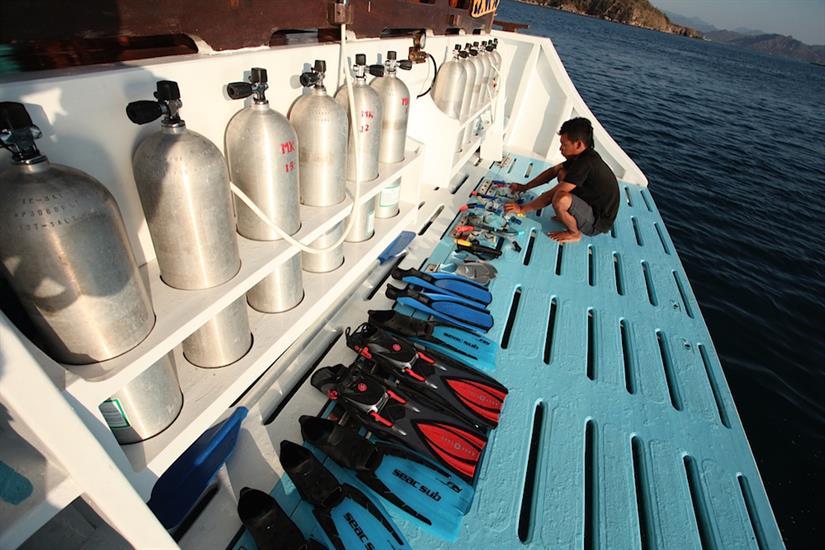 Spacious Dive Platform - MatahariKu Indonesia
