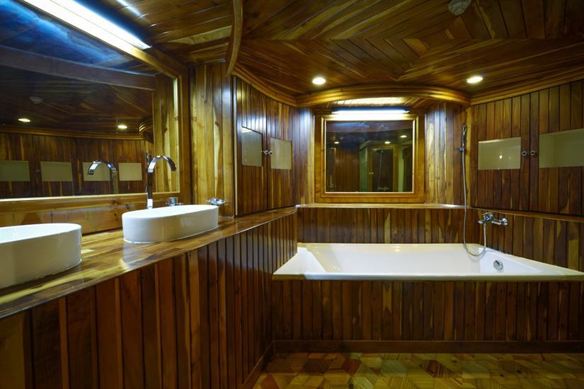 Bathroom - Master Bedroom