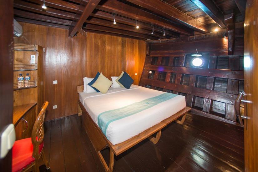 Deluxe Suite Dewi Nusantara Indonesia Liveaboard