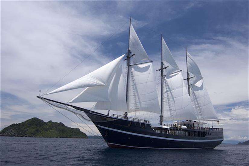 Beautiful Dewi Nusantara Diving Liveaboard Indonesia