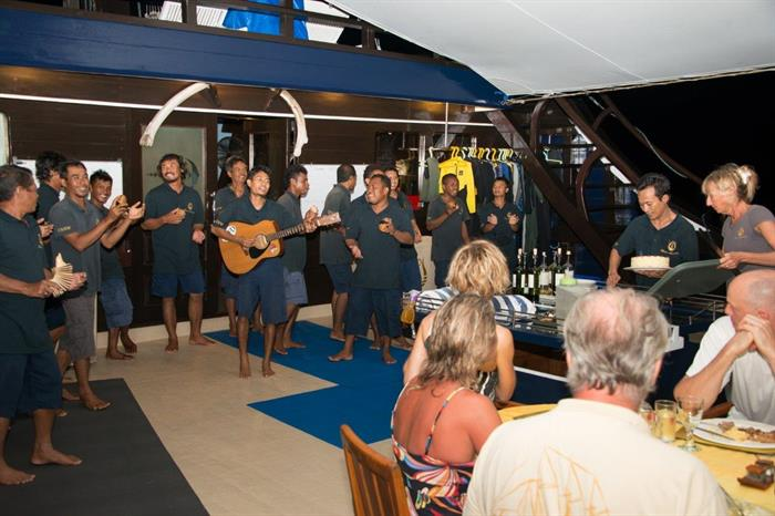Dewi Nusantara Liveaboard evening entertainment
