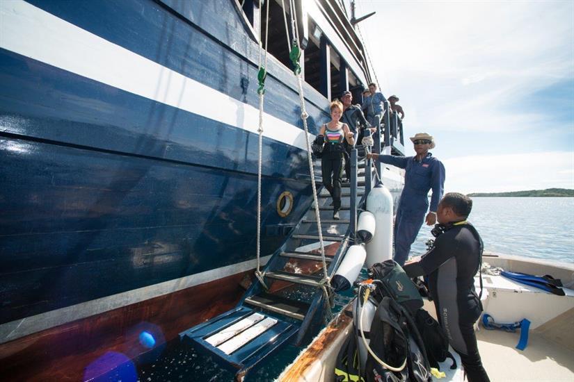 Easy diving aboard the Dewi Nusantara Liveaboard Indonesia