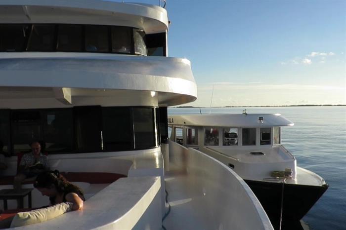 Manta Cruise and Mobula side by side