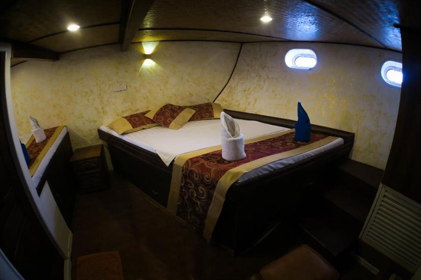 Standard Twin Room aboard Manta Cruise Liveaboard