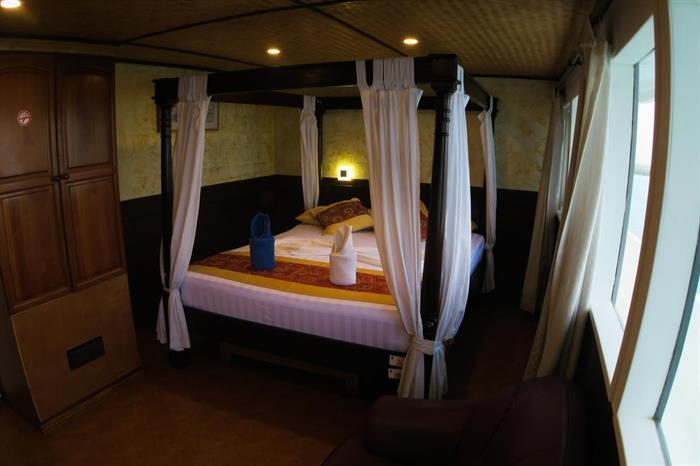 Manta Cruise Liveaboard Suite