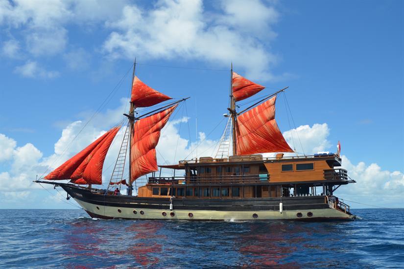 La Galigo at Sail