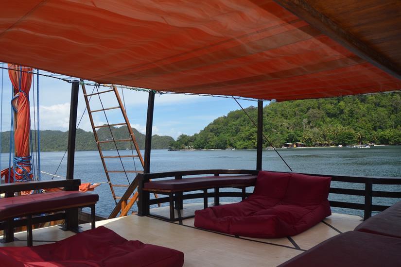 Relaxing deck area on La Galigo