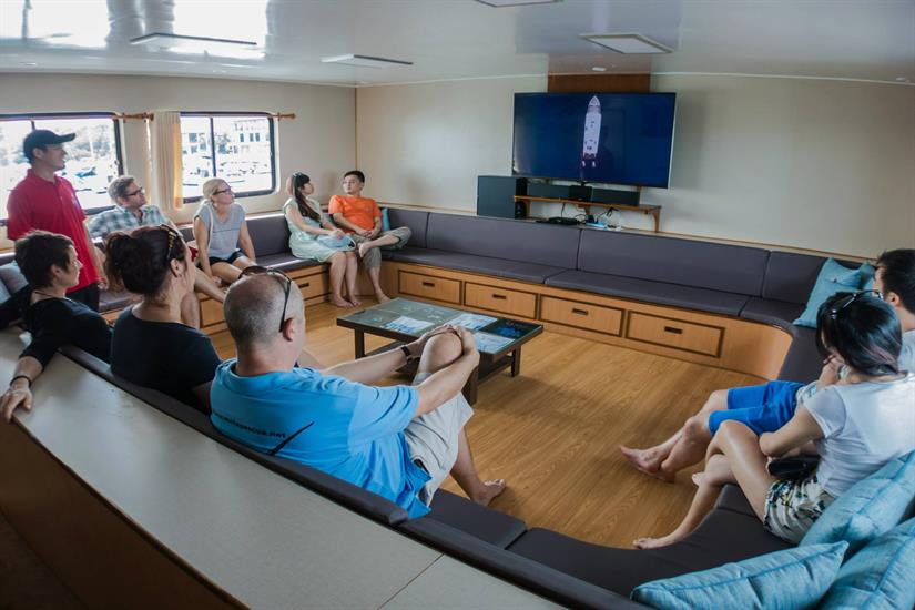MV DiveRACE Class E Liveaboard Saloon