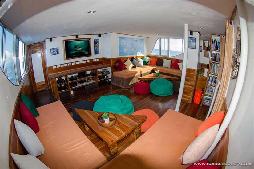 Seadoors Liveaboard Living Room