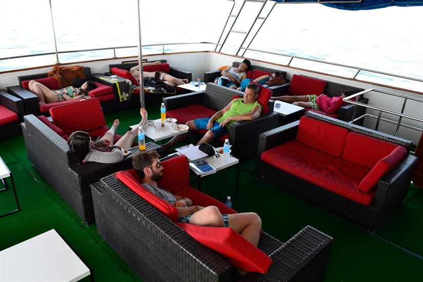 MV Scuba Explorer Dive liveaboard Comfortable outdoor lounge