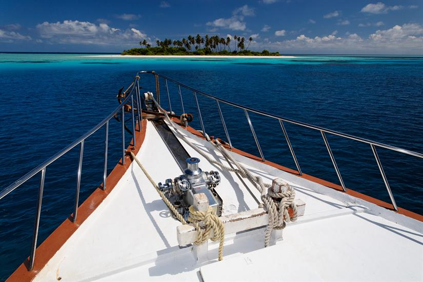 MY Sheena Liveaboard Maldives Bow