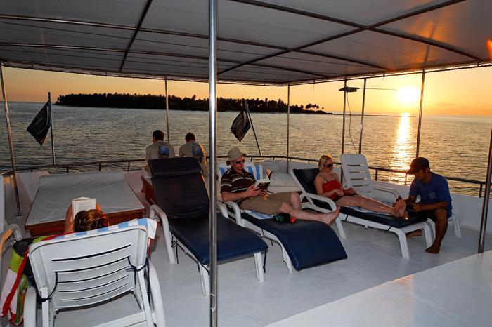 MY Sheena Liveaboard Maldives Sun deck