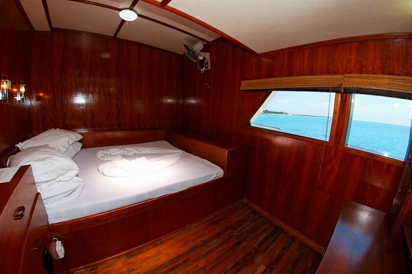 MY Sheena Liveaboard Maldives Owners Cabin