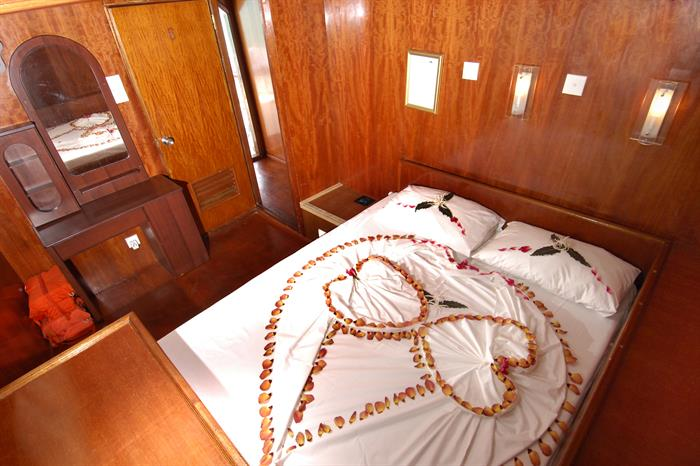 MY Sheena Liveaboard Maldives Owners Cabin