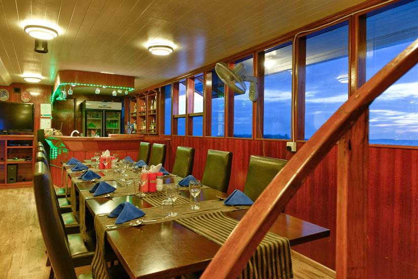 Dining Room - Maldives Blue Force Two
