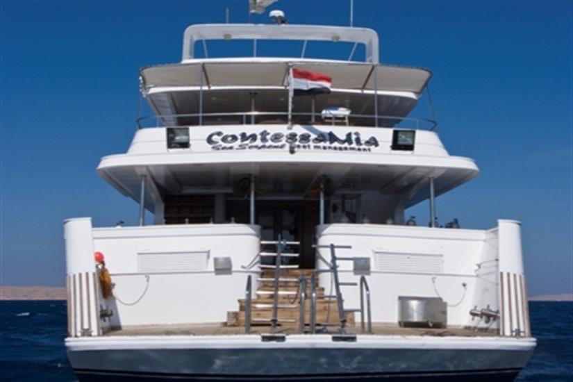 Spacious dive deck on the MY Contessa Mia