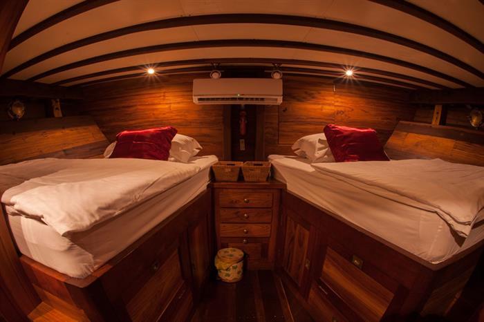 Twin Cabin - Duyung Baru Liveaboard