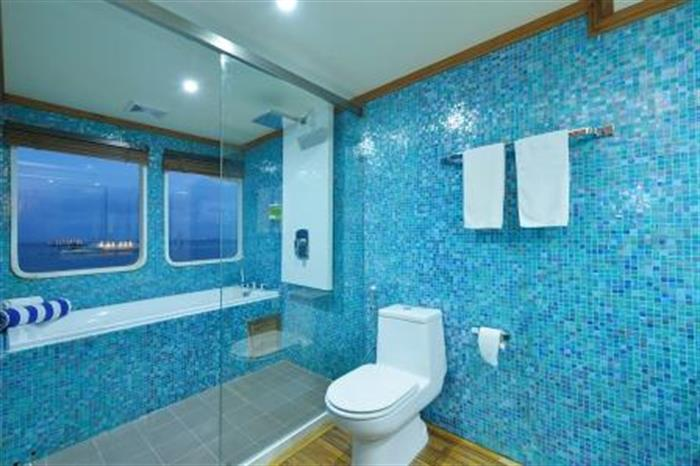 MV Maldives Princess Liveaboard En-Suite Bathroom