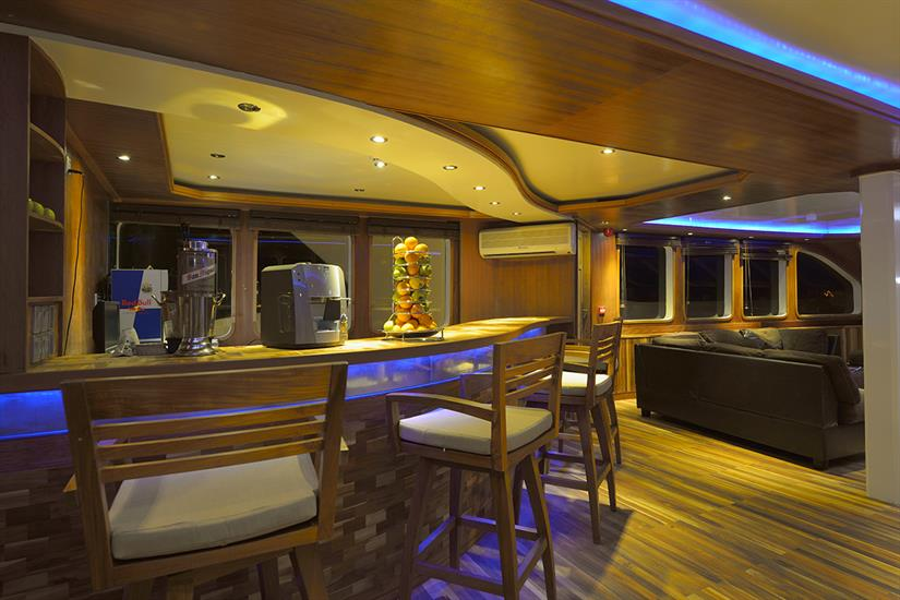 MV Maldives Princess Liveaboard Bar Area