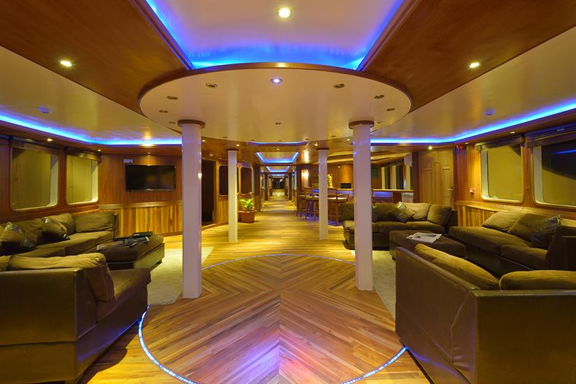 MV Maldives Princess Liveaboard Lounge