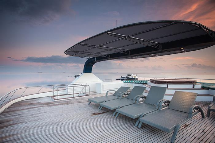 Honors Legacy Liveaboard Sun Deck
