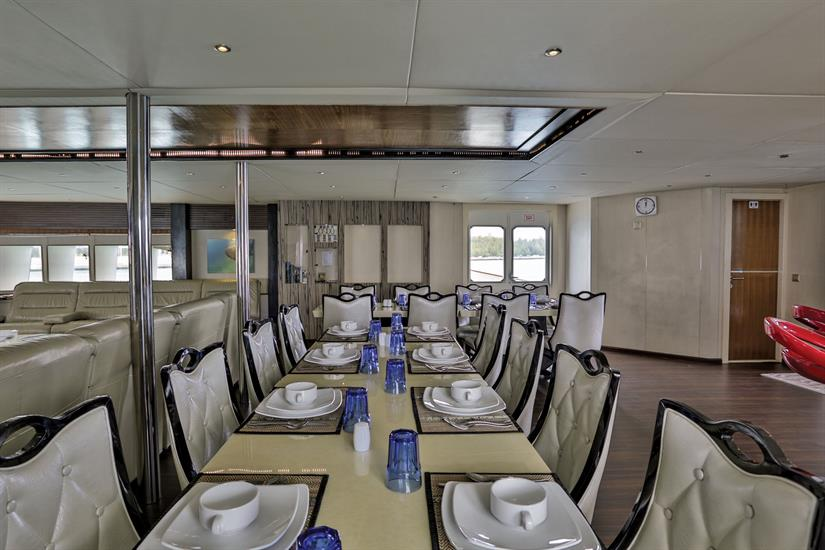 Honors Legacy Liveaboard Indoor Dining