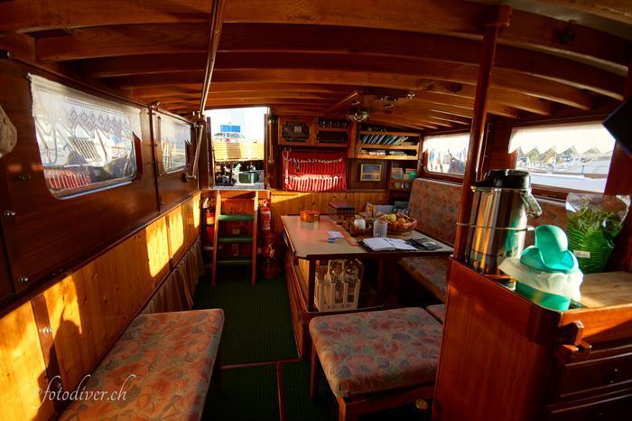 Cosy indoor salon - Norseman Liveaboard