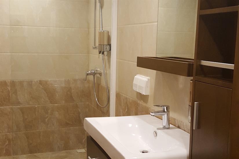 Standard Cabin En-Suite Bathroom