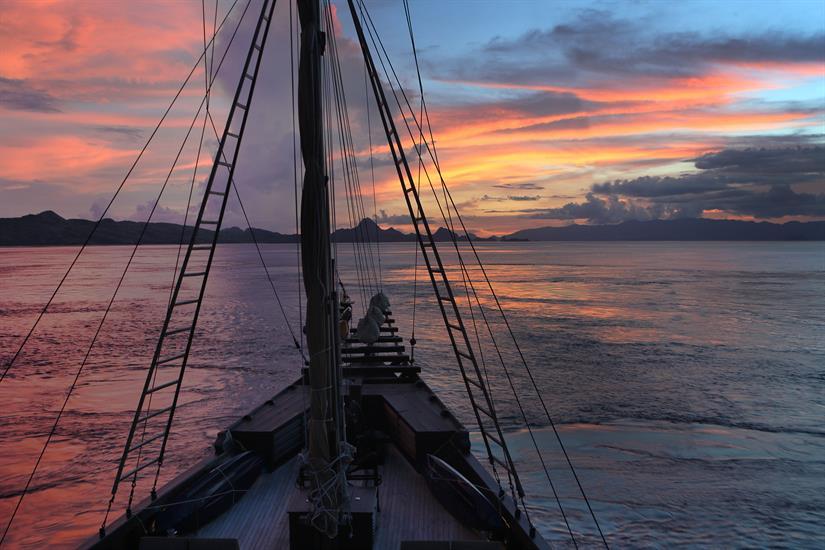 Amazing Komodo Sunsets - Alila Purnama Liveaboard