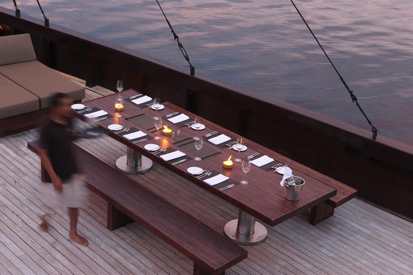Alila Purnama Liveaboard - Outdoor Dining
