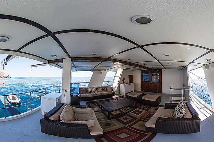 Outdoor lounge - Rocio del Mar Liveaboard