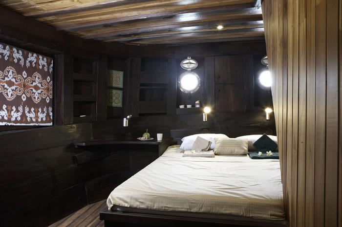 Tambora Double Cabin