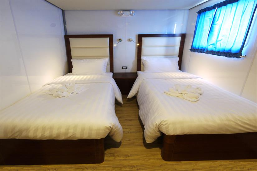 Upper deck Twin cabin - MV Discovery Palawan