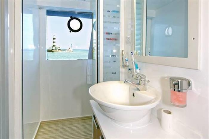 En-Suite bathrooms aboard M/Y Blue Egypt