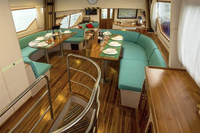 Dining Area - Nortada Liveaboard