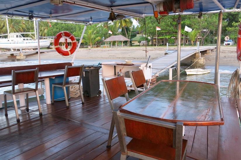 Outdoor dining area - MV Empress II