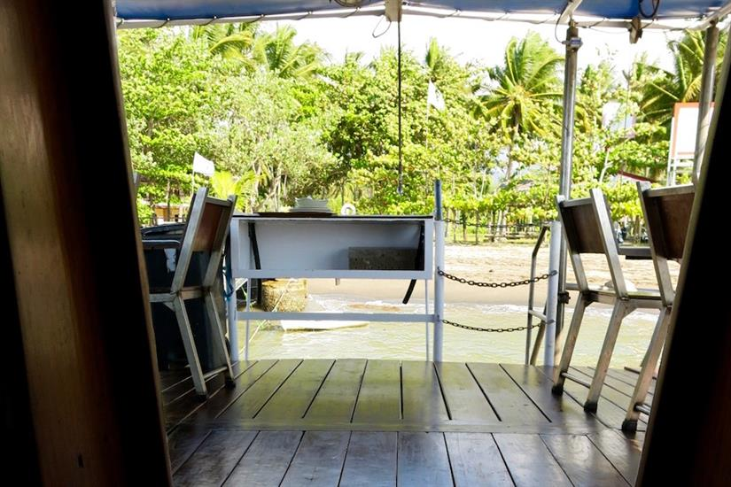 Lunch with a view - MV Empress II