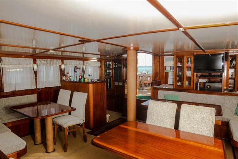 Indoor salon - Dream Voyager Liveaboard