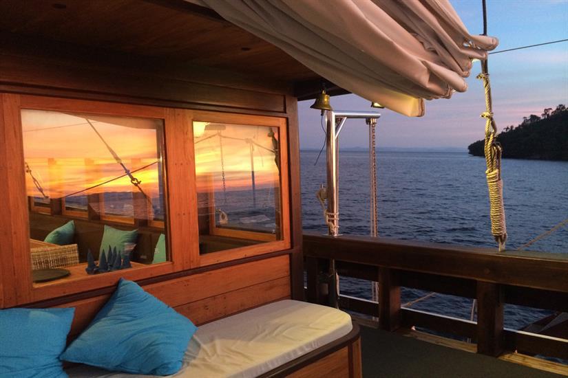 MV Samambaia - Sunset View