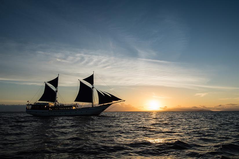 MV Samambaia - Sailing into Sunset