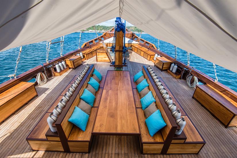 MV Samambaia - Spacious Dive Deck