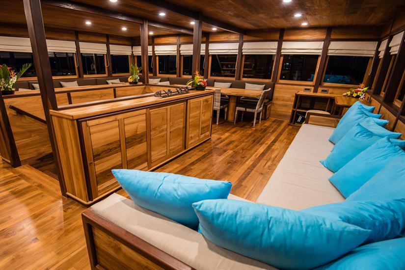 MV Samambaia - Indoor Salon Sofa