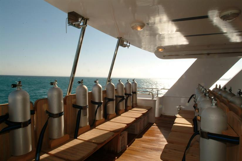 Large dive deck - MY Dolce Vita
