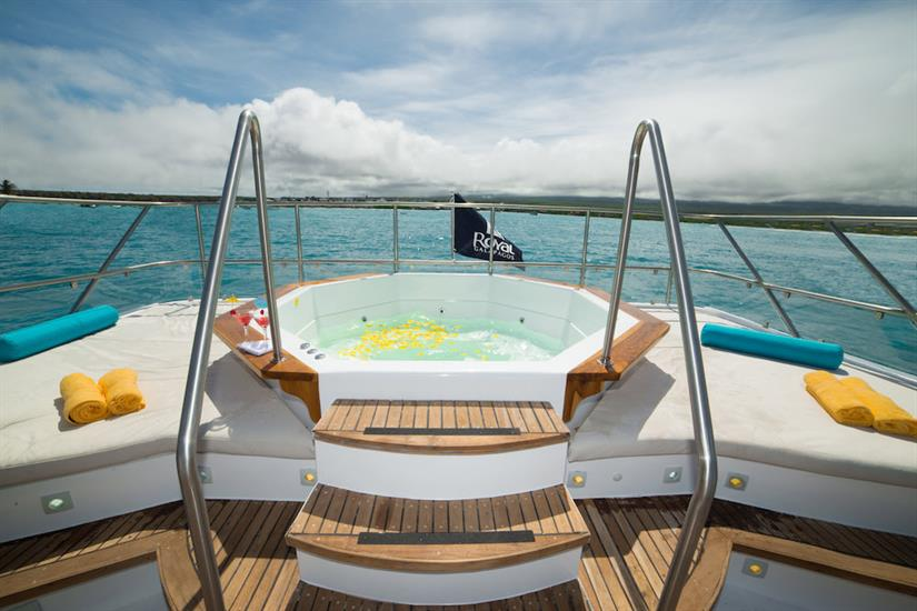 Hot tub on the sun deck - Majestic Galapagos Yacht