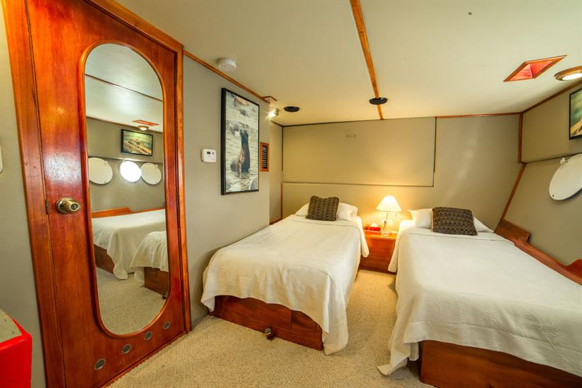 Spacious twin and double cabins - Reina Silvia Galapagos