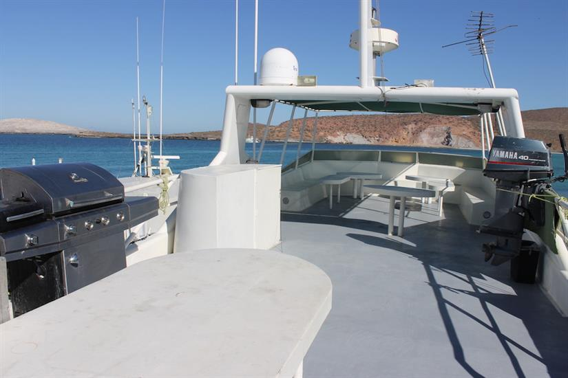 Top Deck BBQ area - Southern Sport Liveaboard