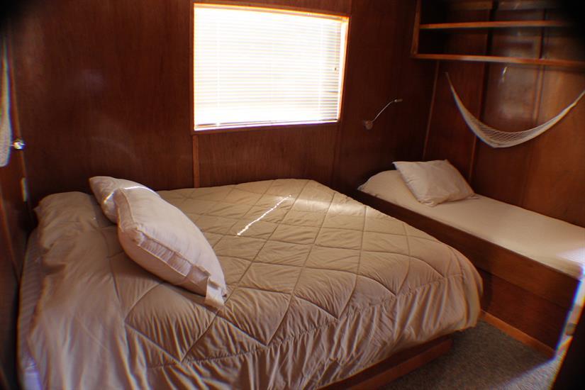 Main deck cabin - Southern Sport Liveaboard